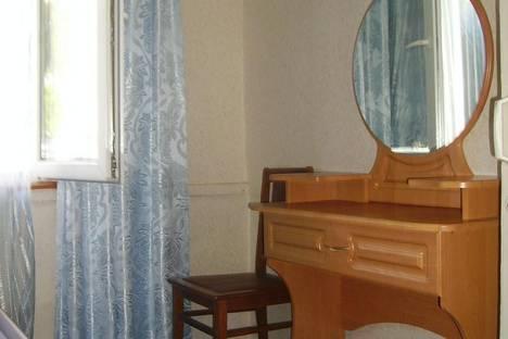 Сдается 2-комнатная квартира посуточно в Алуште, Октябрьская 7/5.