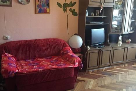 Сдается 2-комнатная квартира посуточнов Санкт-Петербурге, проспект Славы, 30.