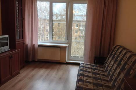 Сдается 2-комнатная квартира посуточнов Санкт-Петербурге, ул. Благодатная, 25.