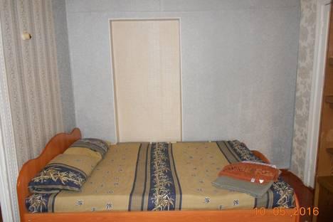 Сдается 2-комнатная квартира посуточно в Нижнем Тагиле, ул. Победы, 44.