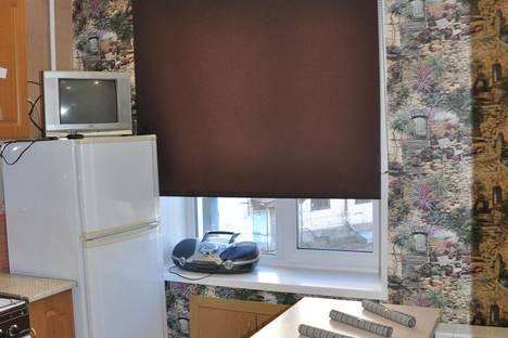 Сдается 1-комнатная квартира посуточно в Мурманске, ул. Коминтерна,  15.