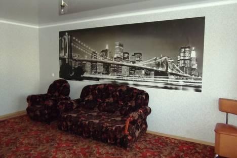 Сдается 2-комнатная квартира посуточно в Ишиме, ул. 8-е Марта, 20.
