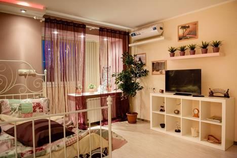Сдается 1-комнатная квартира посуточно в Ростове-на-Дону, переулок Семашко, 99/248.