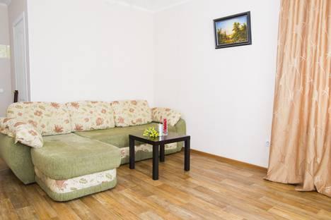 Сдается 1-комнатная квартира посуточно в Омске, Серова 26.