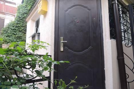 Сдается 1-комнатная квартира посуточнов Ялте, ул. Дражинского 40.