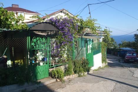Сдается 1-комнатная квартира посуточно в Гаспре, Маратовская 28.