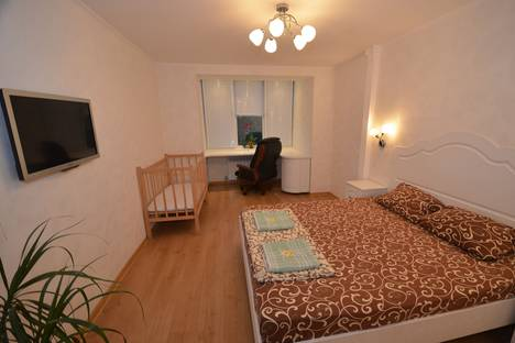 Сдается 2-комнатная квартира посуточно в Феодосии, бульвар Старшинова, 25.