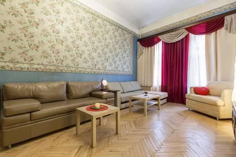Сдается 2-комнатная квартира посуточно в Санкт-Петербурге, Невский, 164.