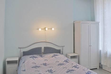 Сдается 1-комнатная квартира посуточнов Санкт-Петербурге, ул. Рубинштейна, 20.