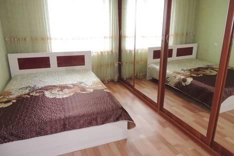 Сдается 2-комнатная квартира посуточно в Магнитогорске, ул. Ворошилова, 10.