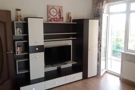 Сдается 1-комнатная квартира посуточно в Геленджике, ул. Халтурина, 30.