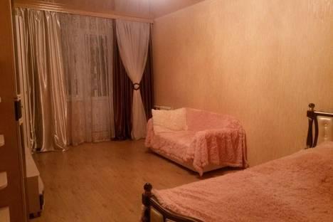 Сдается 1-комнатная квартира посуточно в Курске, Пр.т Победы 32.