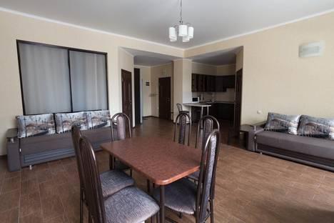 Сдается 3-комнатная квартира посуточно в Домбае, Карачаевская 60.