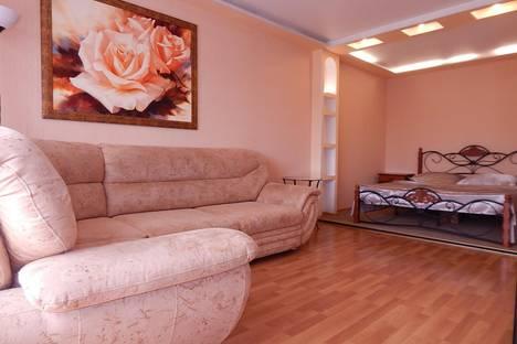 Сдается 1-комнатная квартира посуточно, Кулакова, 4.