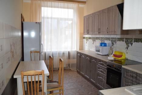 Сдается 2-комнатная квартира посуточно в Домбае, Карачаевская 60.