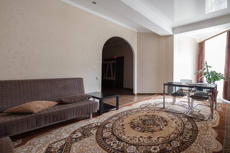 Сдается 3-комнатная квартира посуточнов Домбае, Карачаевская 60.