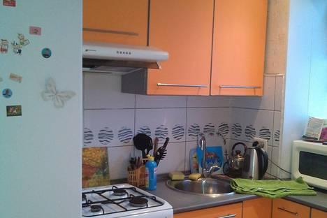 Сдается 2-комнатная квартира посуточно в Новотроицке, ул. Марии Корецкой, 5.