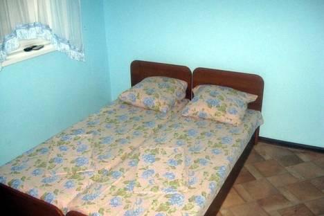 Сдается 1-комнатная квартира посуточно в Бердянске, ул. Ля-Сейнская, 15.