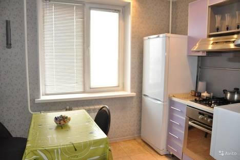 Сдается 1-комнатная квартира посуточно в Орске, Короленко 132б.