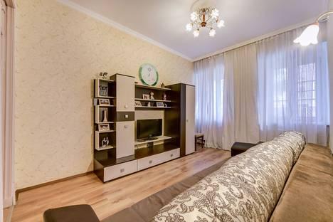 Сдается 2-комнатная квартира посуточнов Санкт-Петербурге, Мытнинская улица, дом 16.