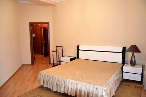 Сдается 2-комнатная квартира посуточнов Ливадии, Володарского 11а.