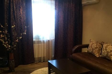 Сдается 2-комнатная квартира посуточно в Набережных Челнах, проспект Чулман, 34А.