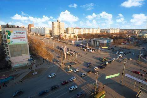 Сдается 1-комнатная квартира посуточно в Челябинске, Молодогвардейцев, 32.