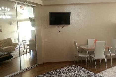 Сдается 1-комнатная квартира посуточно в Алуште, пер.Ревкомовский,4.