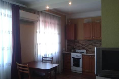 Сдается 1-комнатная квартира посуточно, проспект Октябрьской Революции 57.