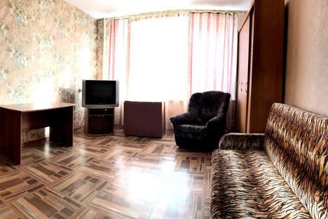 Сдается 1-комнатная квартира посуточно в Архангельске, Воскресенская, 116.