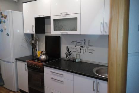 Сдается 3-комнатная квартира посуточно в Яровом, квартал А, д. 28.