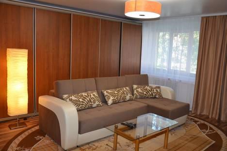 Сдается 2-комнатная квартира посуточно в Иркутске, Ямская, 53.