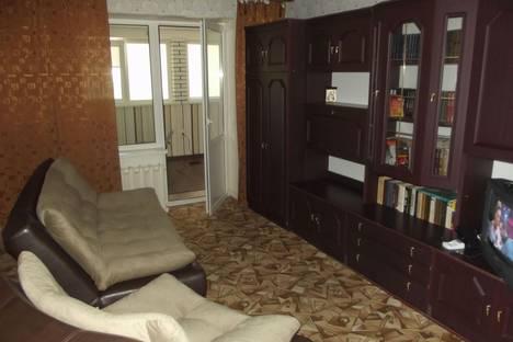 Сдается 2-комнатная квартира посуточно в Черноморском, кооперативная 53.