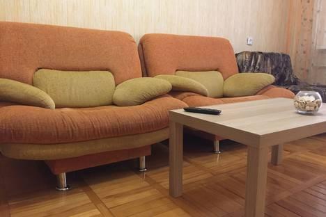 Сдается 1-комнатная квартира посуточно в Майкопе, пер. Вокзальный, 1.