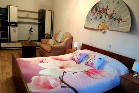 Сдается 1-комнатная квартира посуточно в Твери, проспект Чайковского, 84.