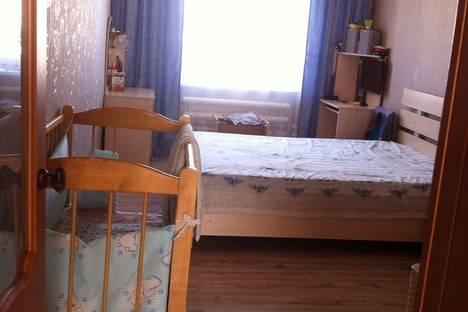 Сдается 2-комнатная квартира посуточно в Яровом, квартал Б, дом 3.