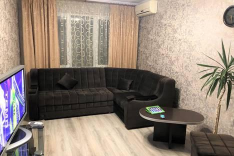 Сдается 2-комнатная квартира посуточно, Фрунзенское шоссе, 16.