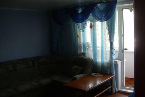 Сдается 2-комнатная квартира посуточно в Яровом, кварталА д24.