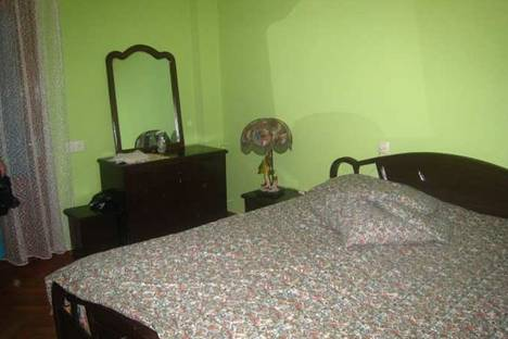 Сдается 4-комнатная квартира посуточно в Батуми, Кобаладзе, 8.