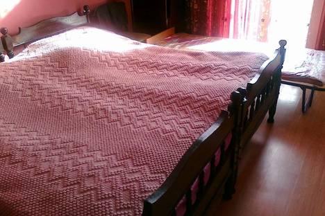 Сдается 4-комнатная квартира посуточно в Батуми, Горгасали, 74.