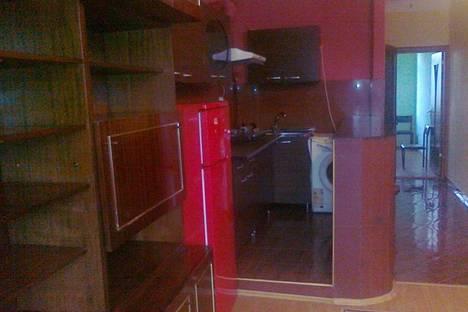 Сдается 2-комнатная квартира посуточно в Батуми, Горгасали, 74.