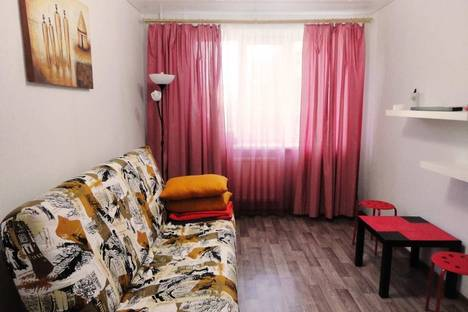 Сдается 1-комнатная квартира посуточно в Череповце, Пионерская 23.
