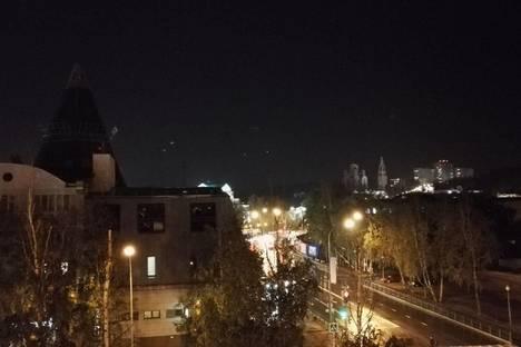 Сдается 1-комнатная квартира посуточнов Ханты-Мансийске, ул. Энгельса дом 3.