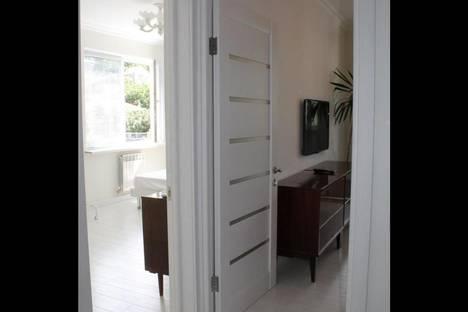 Сдается 2-комнатная квартира посуточнов Массандре, Макаренко 8.