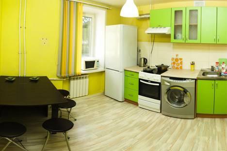 Сдается 3-комнатная квартира посуточно в Барнауле, Проспект Ленина, 63а.