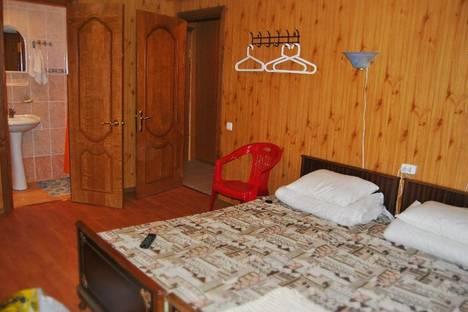 Сдается комната посуточно в Сухуме, ул. Титова, 74.