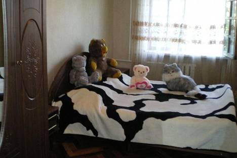 Сдается 3-комнатная квартира посуточнов Сухуме, Чочуа,17.