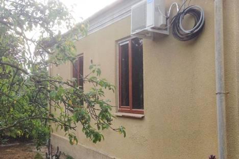 Сдается коттедж посуточно в Сухуме, 3-й красномаякский переулок, 5.