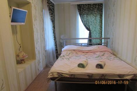 Сдается 1-комнатная квартира посуточнов Выксе, ул. Первомайская, д. 22.