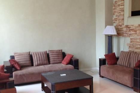 Сдается 3-комнатная квартира посуточно в Батуми, Бараташили, 6.